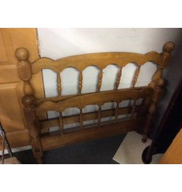 Twin bedstead maple with metal rails
