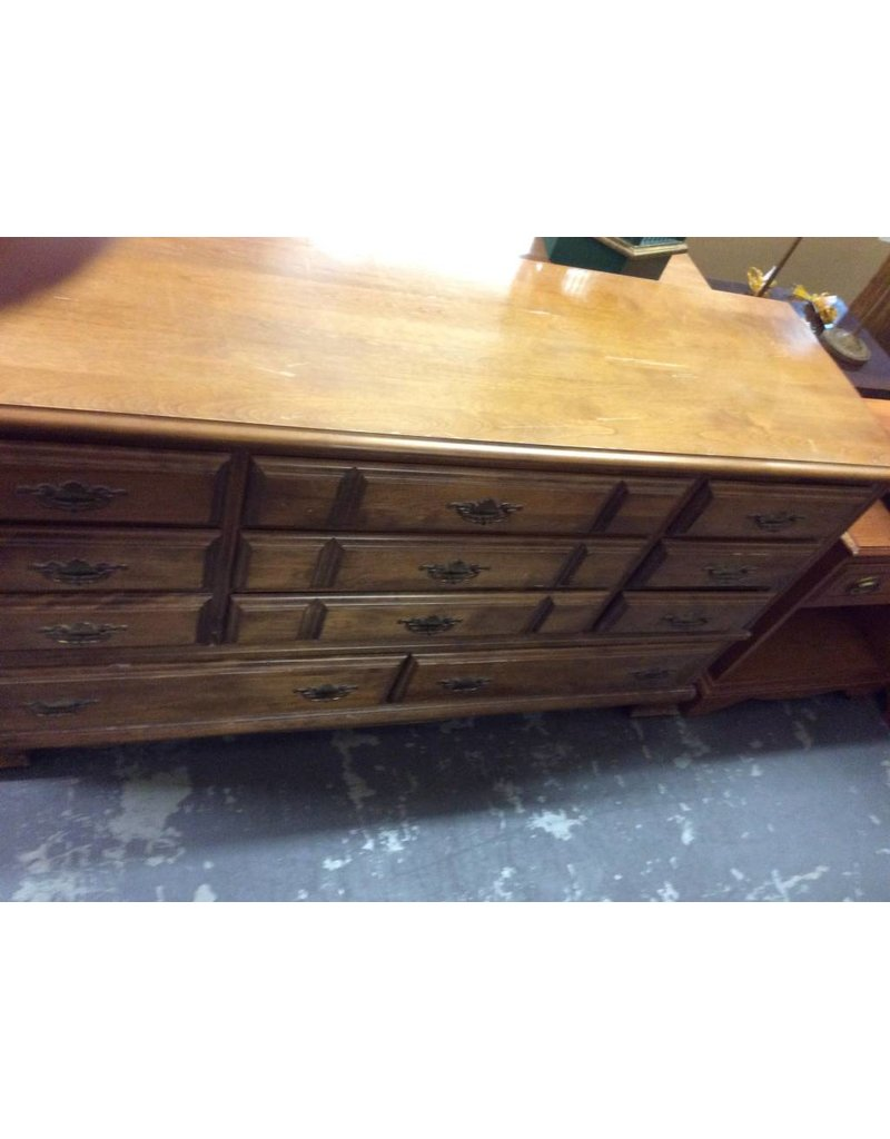 11 drawer dresser maple