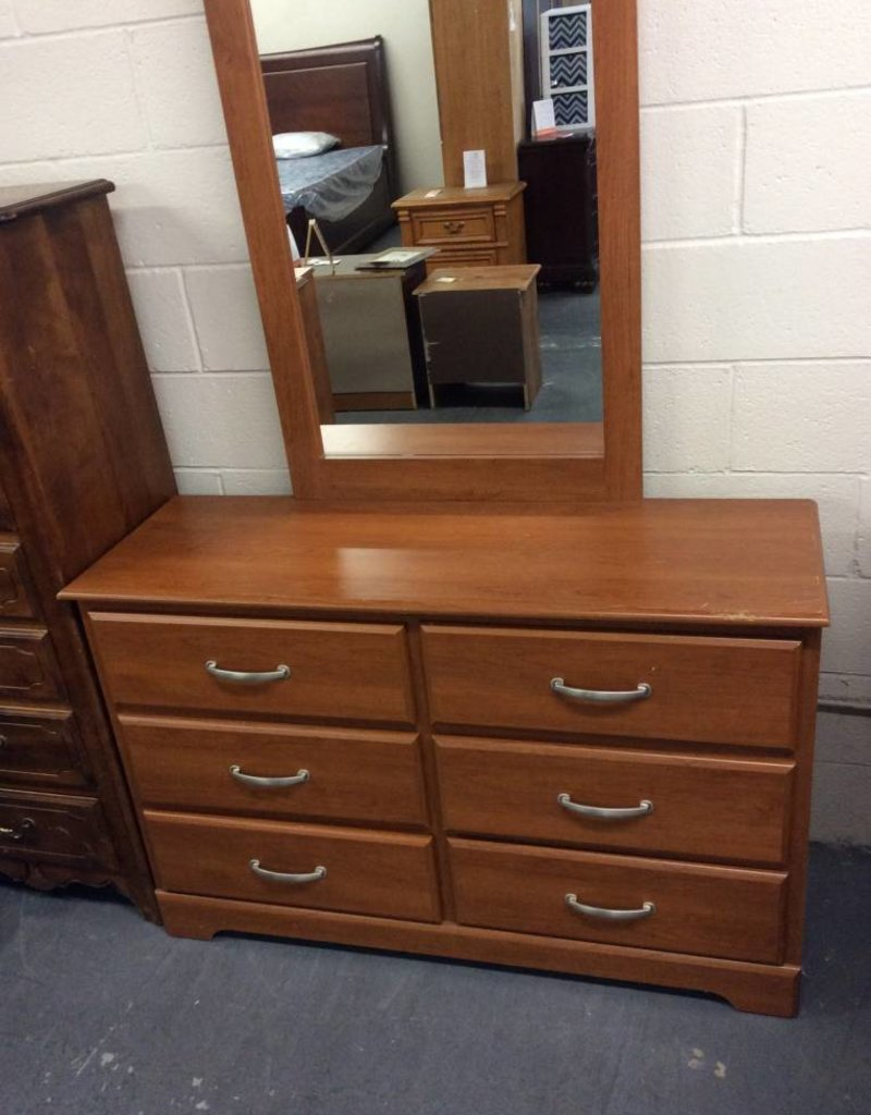 6 drawer dresser / pine wrap w mirror