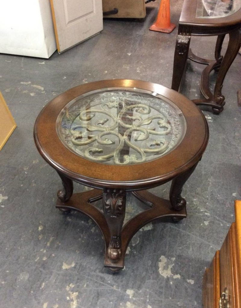 End table / round glass top