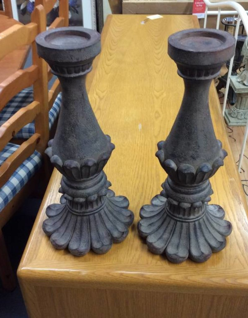 Pair candle holders brown
