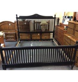 Cal-king bedstead black w/rails&slats