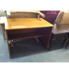 Desk / pine