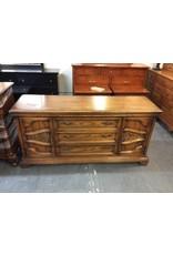 3 drawer dresser w 2 cabinets / oak w mirror