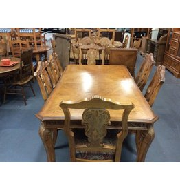 9 piece dinette w/ leaf carved oak w/ floral seats