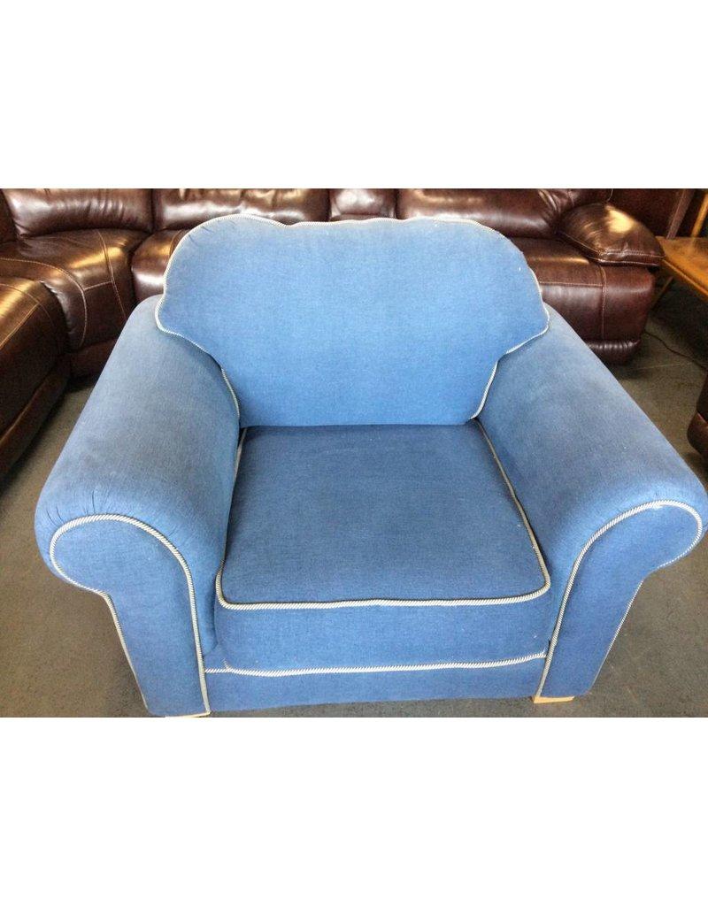 Arm chair blue & white