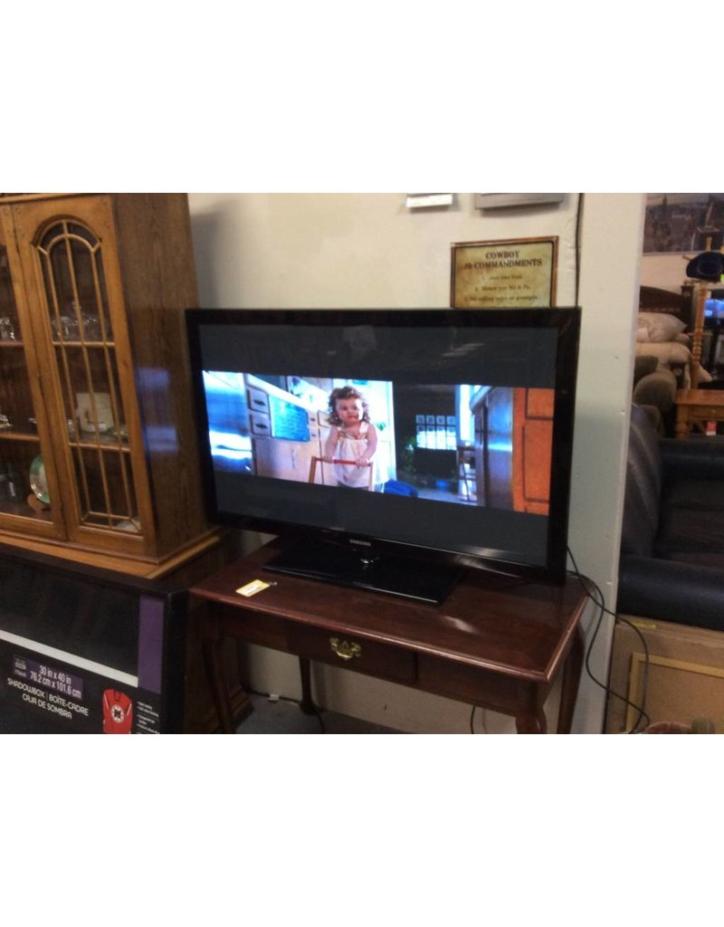 "50"" tv Samsung w/ remote as-is"