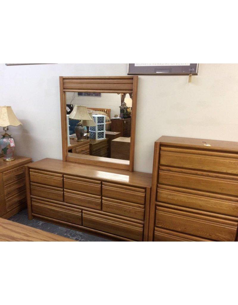 8 Drawer Dresser, Oak, with Mirror