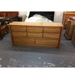 8 Drawer Dresser / oak