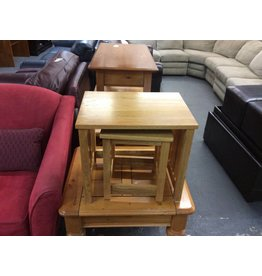 2 nesting tables / oak