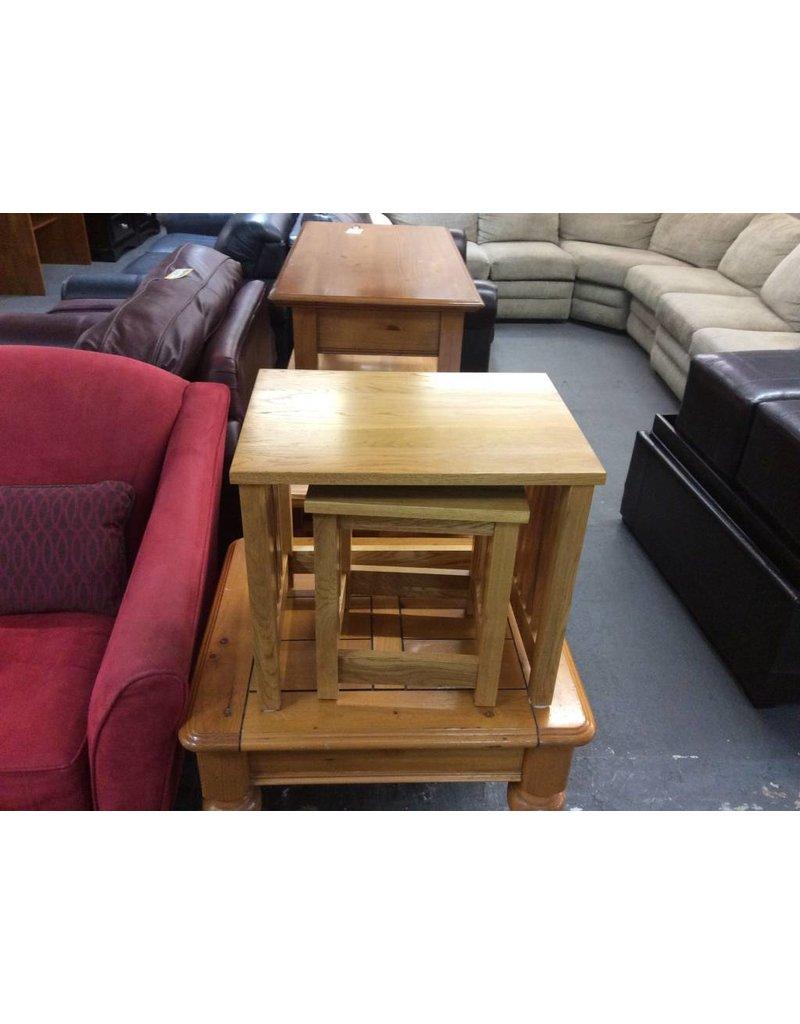 2 nesting tables / oak