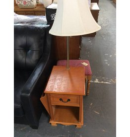 End table w/ lamp oak