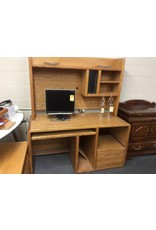 Single ped desk w/ hutch oak