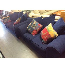 Sofa & love blue tweed w/ 4 throw pillows