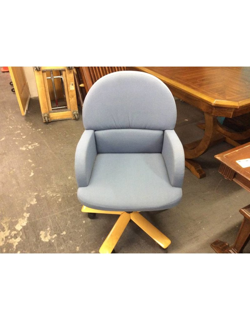 Office chair blue w/ arms