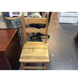 Single chair pine