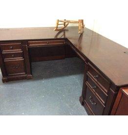 L-shape desk cherry
