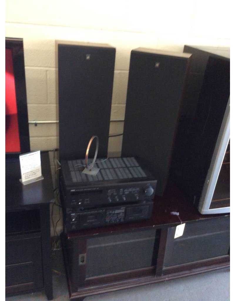Stereo / Yamaha / tuner and cassette deck / speakers