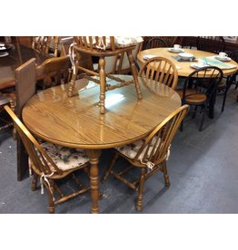 5 piece dinette / oak w glass and 2 leafs
