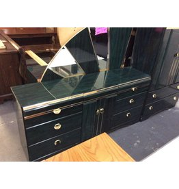 6 drawer dresser / green n gold