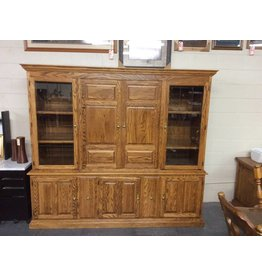 Entertainment center / oak 2 piece