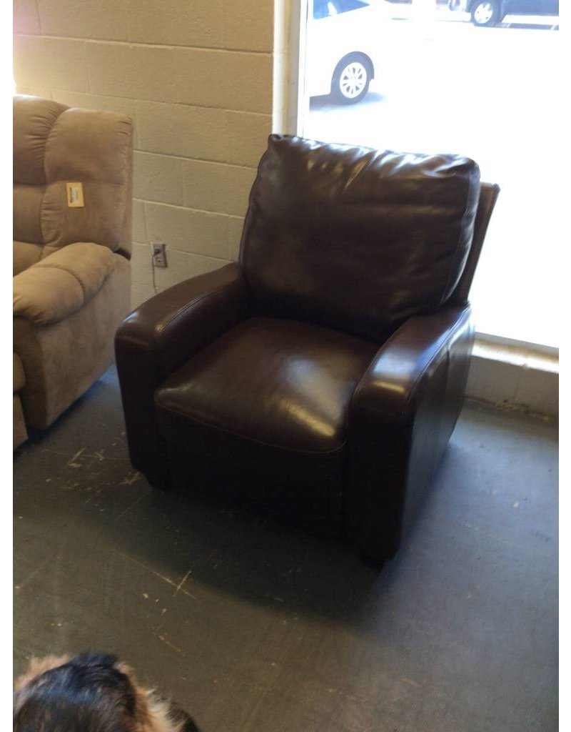 Recliner / brown leather