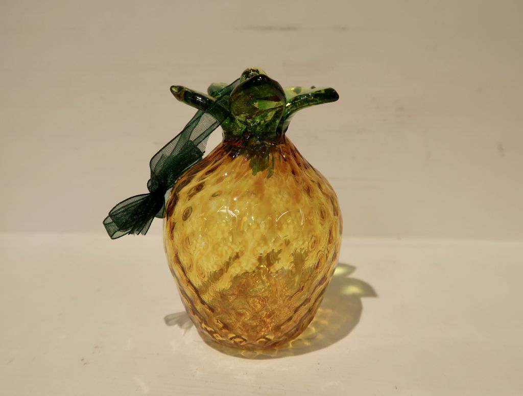 "Emily's Art Glass Mini Pineapple, APPROX. 4""X3"""
