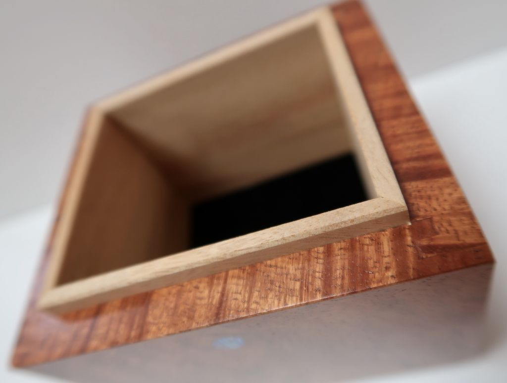 Doug Gordon KOA BOX W/CAMPHOR LINING