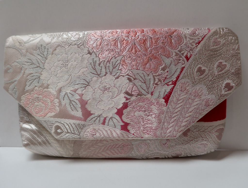 Leina Aonuma PINK/SILVER FLOWERS: OBI CLUTCH