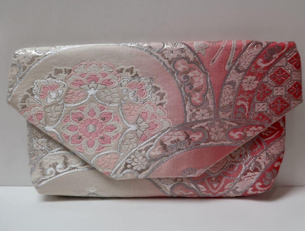 Leina Aonuma PINK/SILVER/MAUVE FLOWERS: OBI CLUTCH