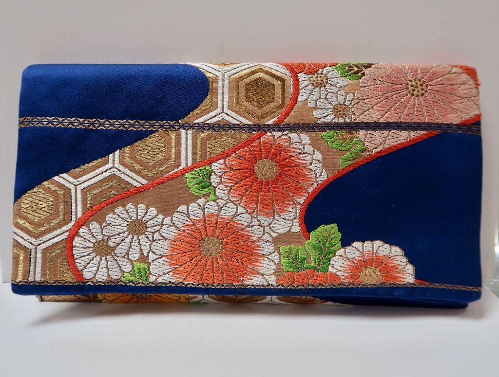 Leina Aonuma ROYAL BLUE/ORANGE/GOLD FLOWERS STRAIGHT FLAP: OBI CLUTCH