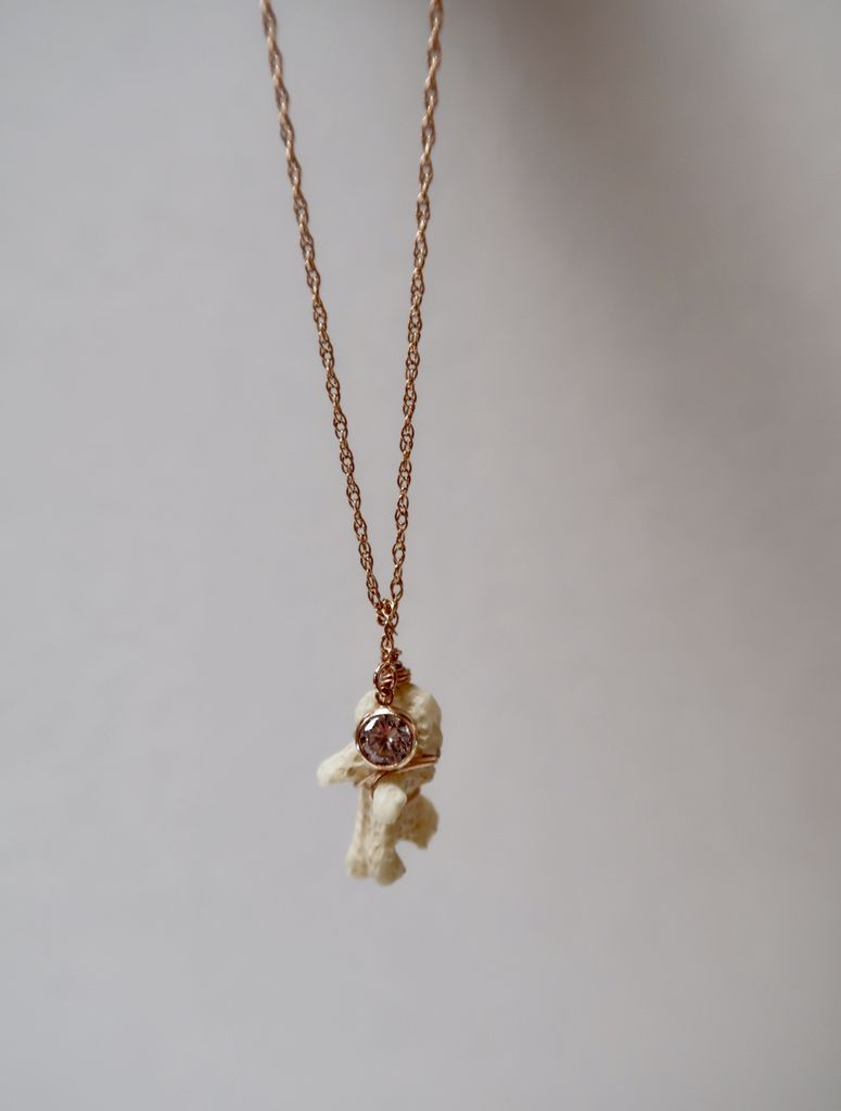 Laanei NECKLACE: Rose coral