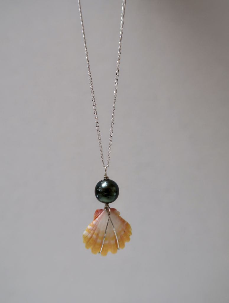 Rose Wong NECKLACE: STERLING SILVER SUNRISE SHELL