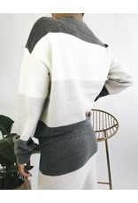 Pull en tricot avec contraste de couleurs