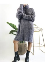 Robe mi-longue à col roulé ultra-doux