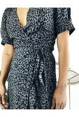 Robe portefeuille léopard à manches courtes