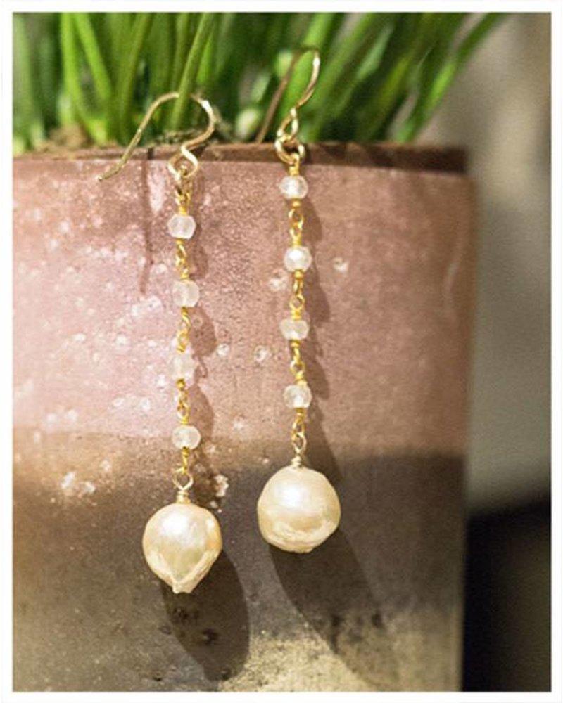 HI ASHLEY MALIA Alana Pearl Earrings