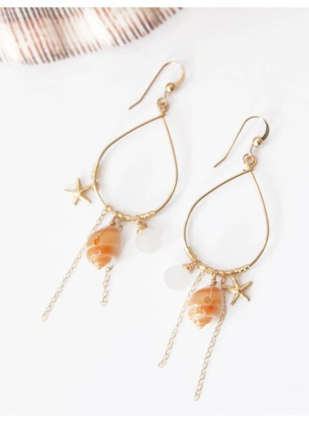 HI KOMAKAI Kamuela Rainbow Moon Earrings