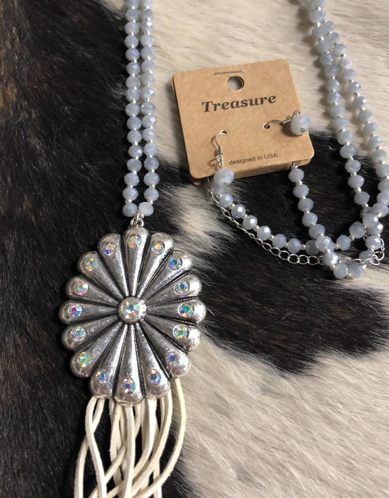 NECKLACE CONCHO GRAY GLASS BEAD TASSEL