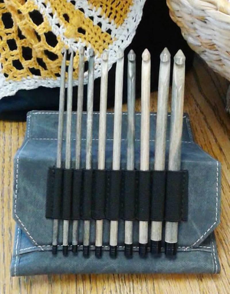 """Lykke Crochet Set, 10 hooks (3.5-9mm), 6"""" length"""