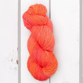 Madeline Tosh Tosh Merino Light / TML - Neon Peach - 299