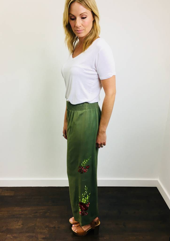 Papillon Embroidered Wide Leg Pant