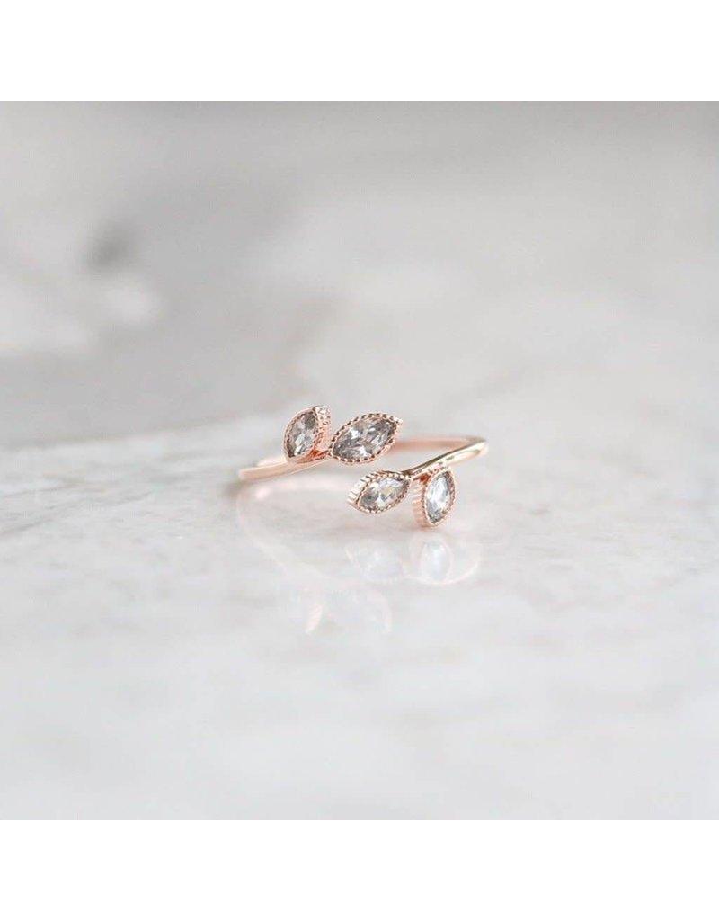 Statement Grey Statement Grey Crystal Leaf Adjustable Ring