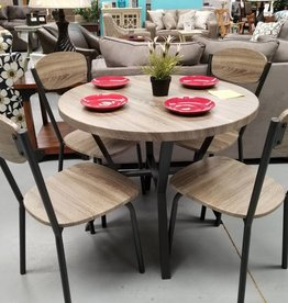 Crownmark Blake Table w/ 4 chairs
