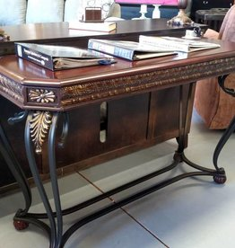 Crownmark Clairmont Sofa Table