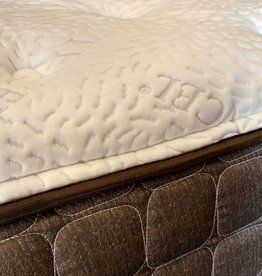 "Corsicana Kinley 715 Plush-Top 13"" Queen Mattress Set"