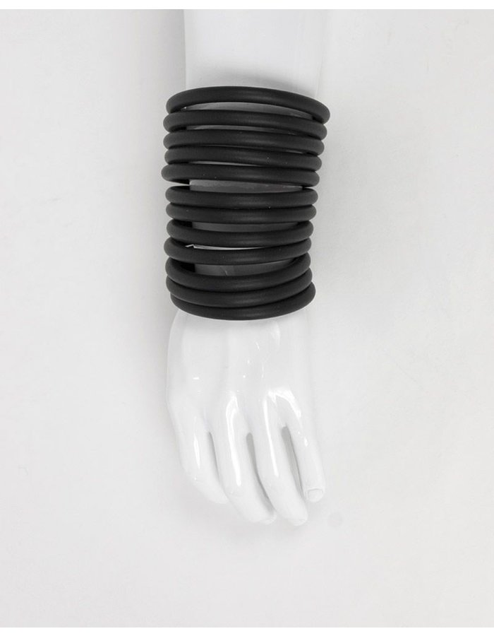 CYBERESQUE BLACK LONGARM CUFFS