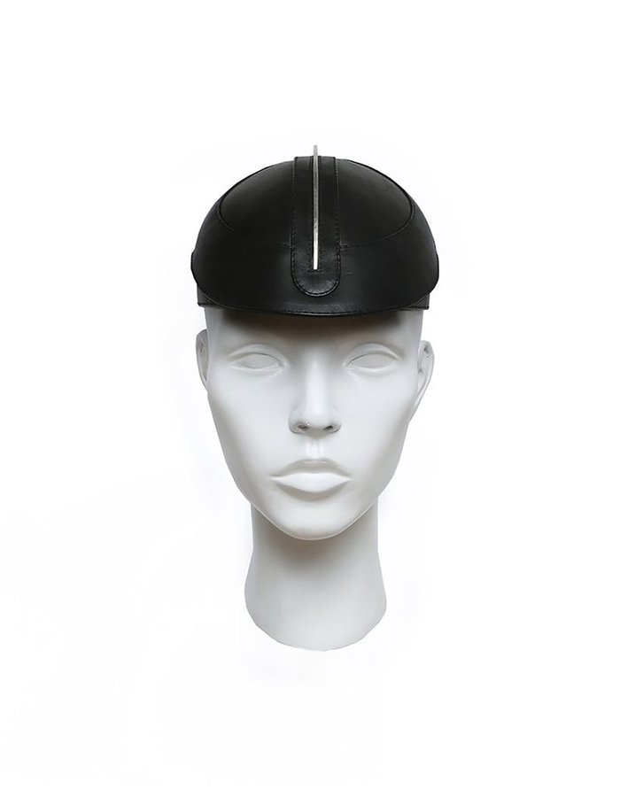 HOUSE OF MALAKAI LEATHER CAP WITH METAL FIN