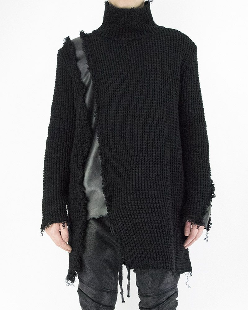 KNITTED TURTLENECK WITH LEATHER