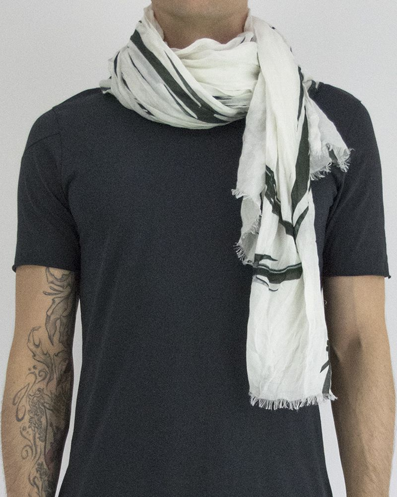 ENLARGED BARBED WIRE SCARF